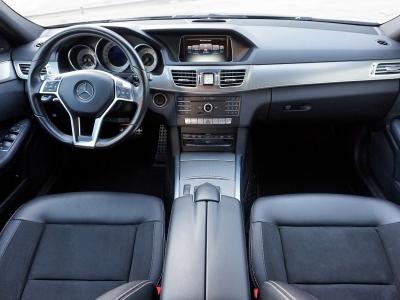 Mercedes-Benz E 220 Avantgarde AMG